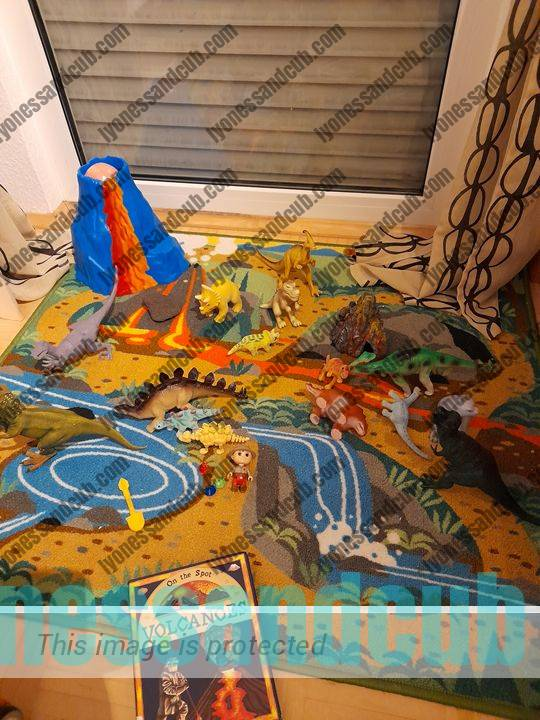 volcano mat with dinosaurs for toddlers