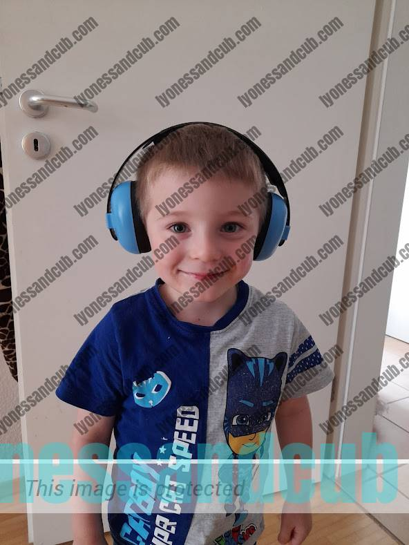 toddler wearing noise-cancelling headphones